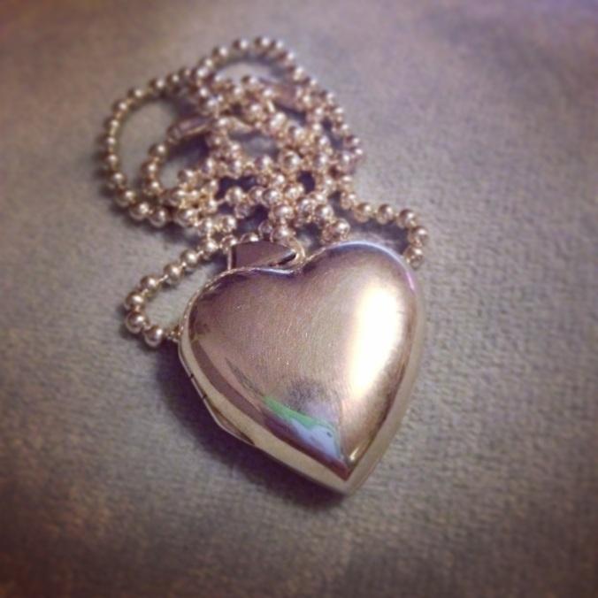coeur qui s ouvre en argent
