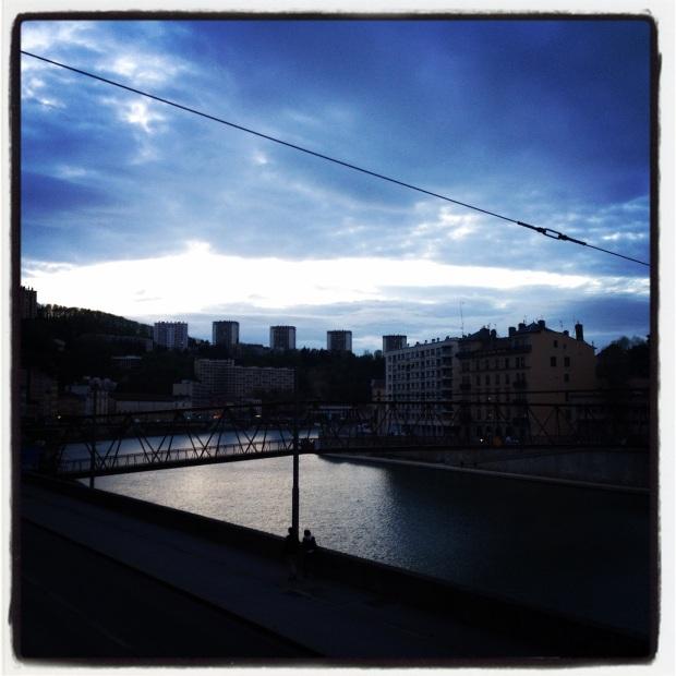 Nuit qui arrive Lyon
