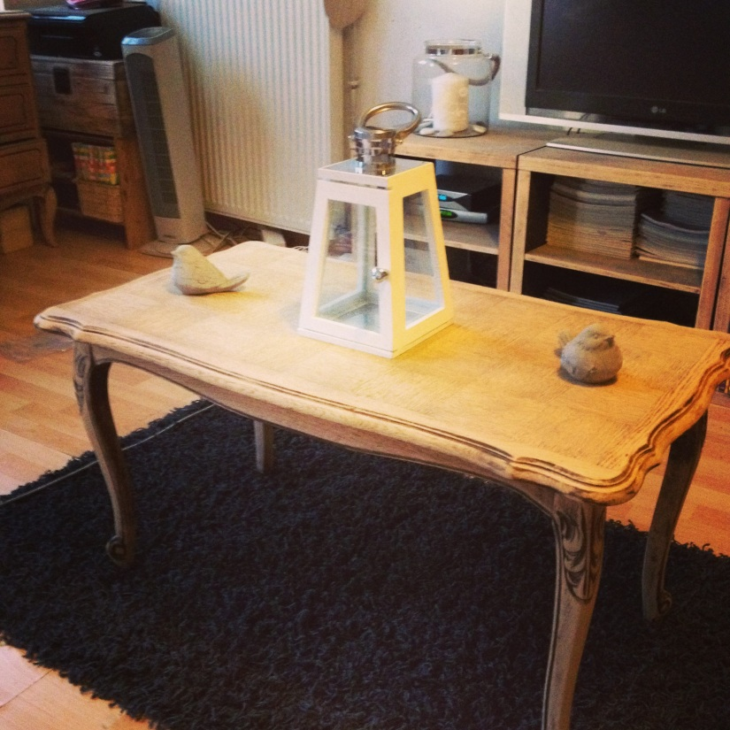 Table basse ancienne rénovée