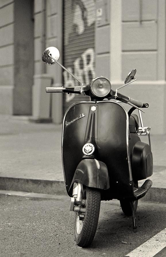 vespa black and white