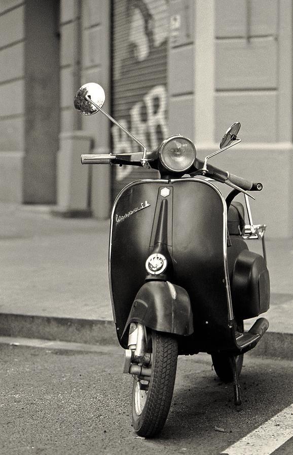 vespa black and white