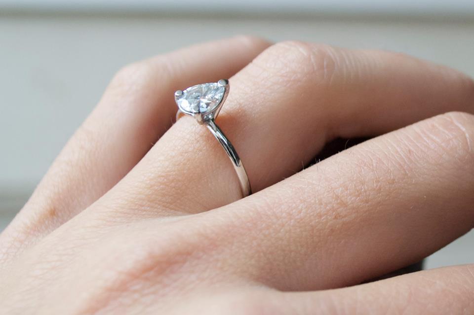 bague de fiançailles de Claire.jpg