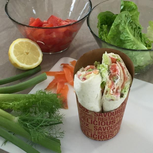 wraps truite fumée fenouil salade et tomates