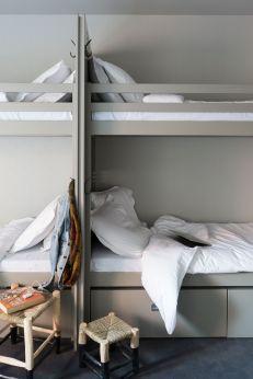 ho36-chambre-hostel-lits-gris-p9-pierrick-vierny