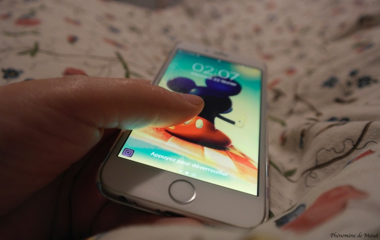 iphone apple .jpg