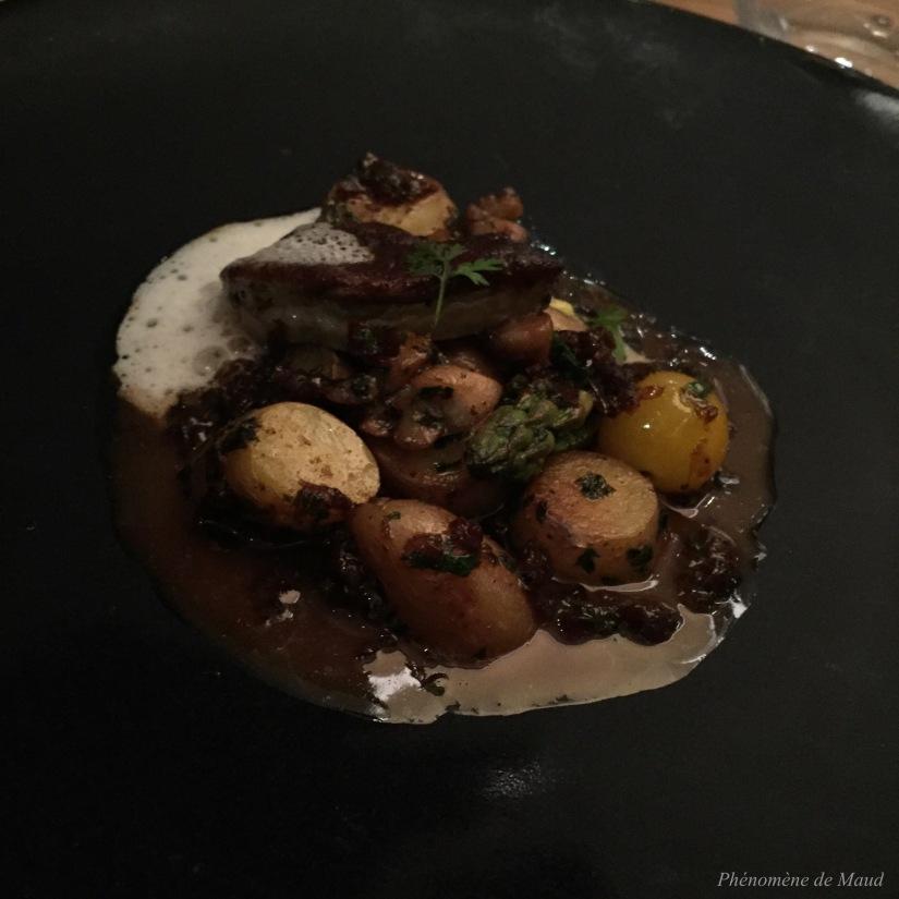 duo de ris de veau et foie gras pommes de terre rate asperge au beurre mousseux et aromates fabrice bonnot
