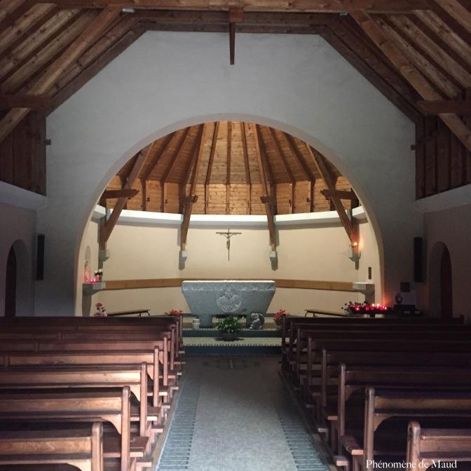 intérieur église les praz