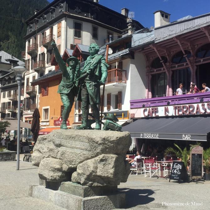 statue chamonix