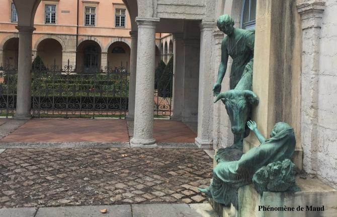 statues conservatoire national supérieur de musique de lyon