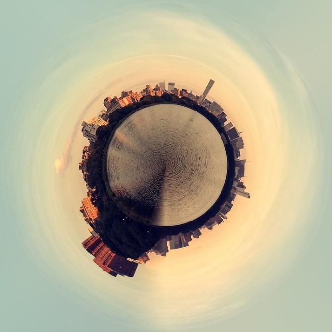 planet-floating-2703380_960_720.jpg