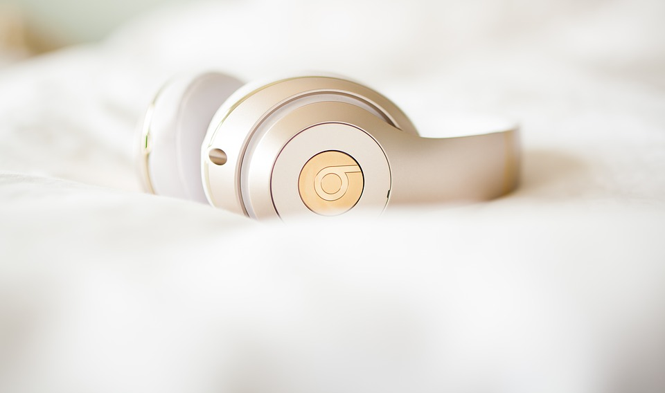 headphones-2577150_960_720