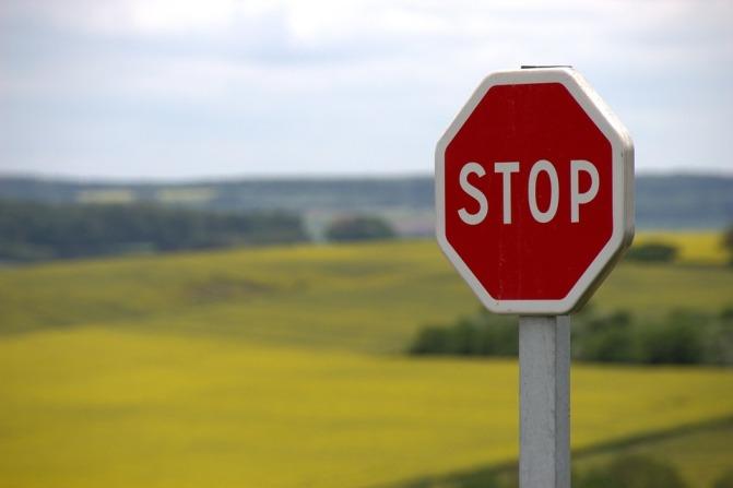 stop-634941_960_720.jpg