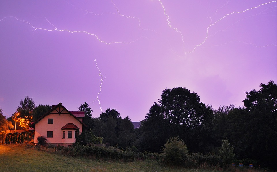 storm-2496251_960_720.jpg
