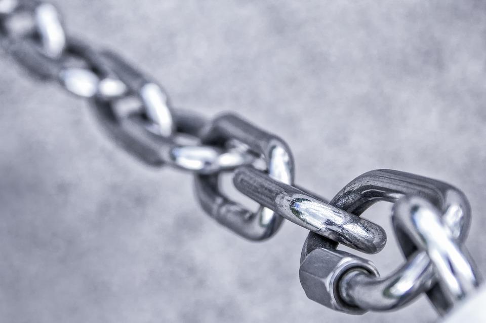 chain-3481377_960_720.jpg