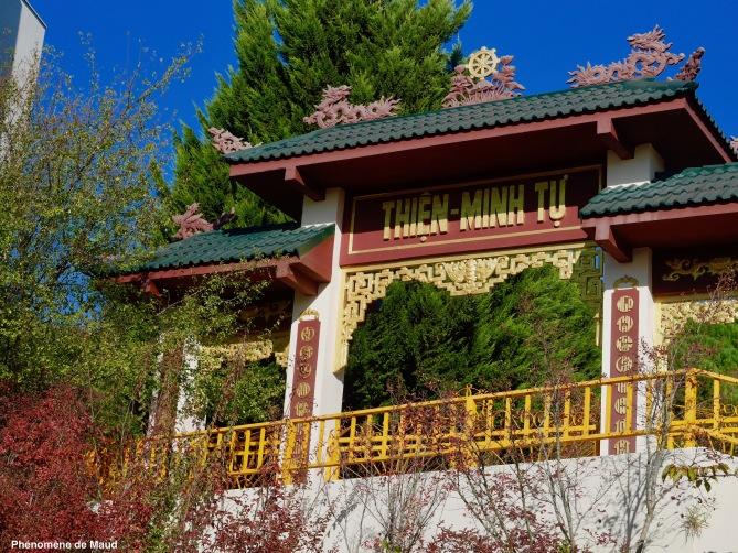 entrée temple bouddhique