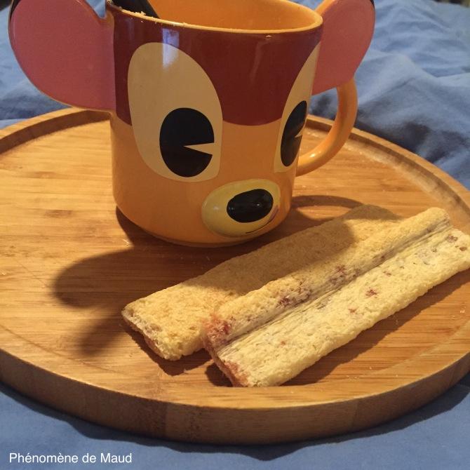 tasse bambi disney petit dejeuner au lit phenomene de maudJPG.JPG