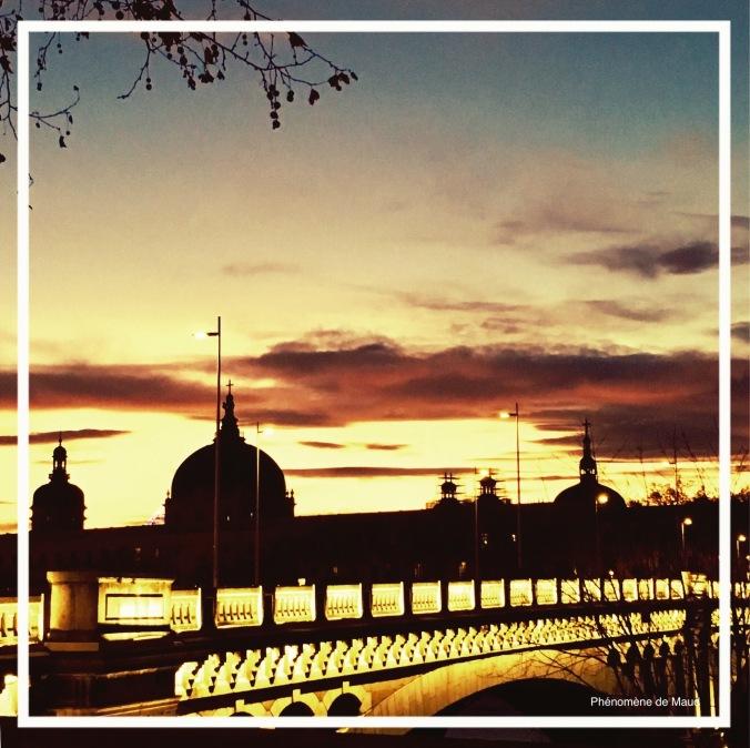 coucher de soleil doré Lyon phenomene de maud.jpeg