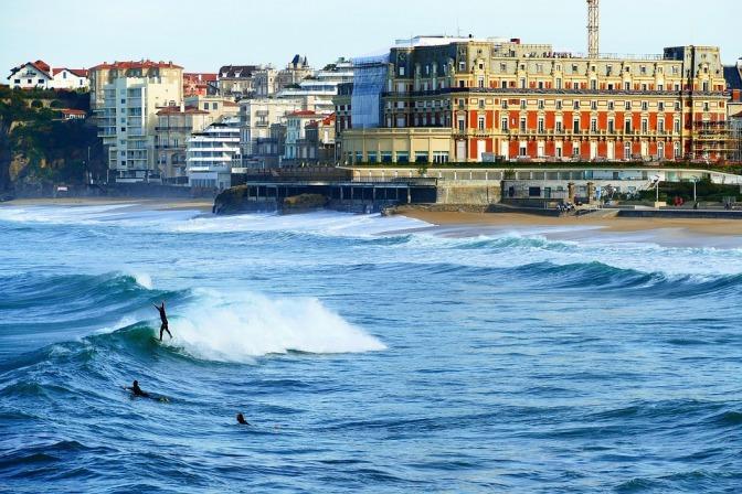 biarritz-4013618_960_720.jpg