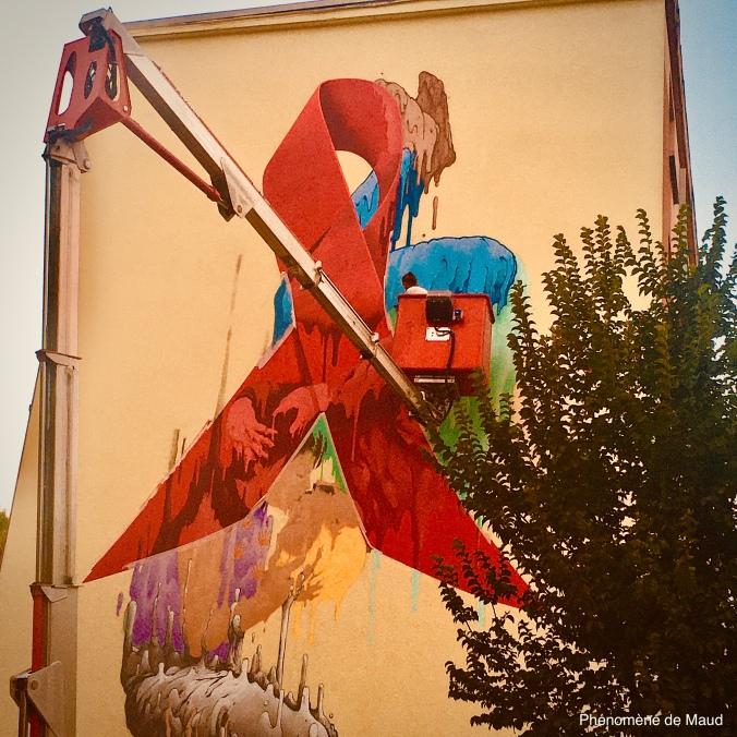 RED Lyon ruban rouge place des tapis .jpg