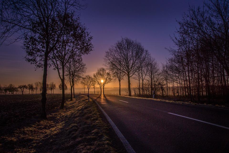 road-2817102_960_720.jpg