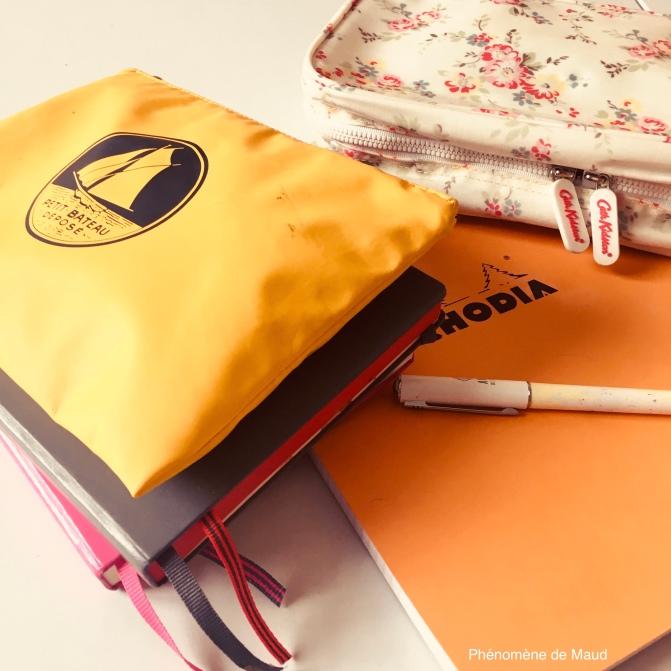 trousse bloc-notes, carnets, stylos.jpg
