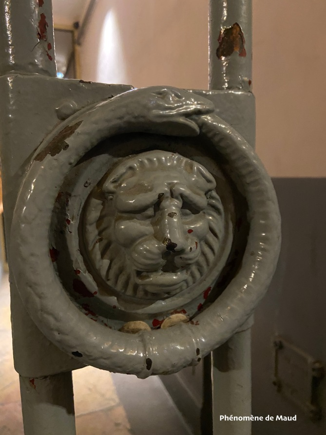 lion sur portail lyon
